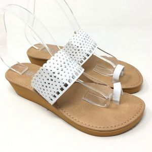 Apt. 9 White and Silver Summer Wedges Size L 9-10